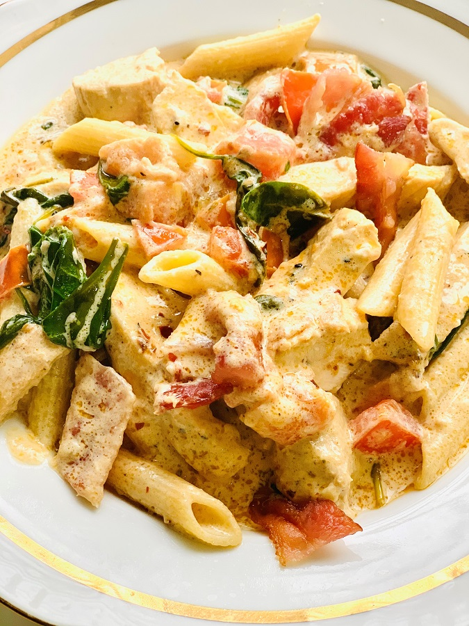 Chicken Alfredo Pasta with Bacon, Spinach and Tomatoes