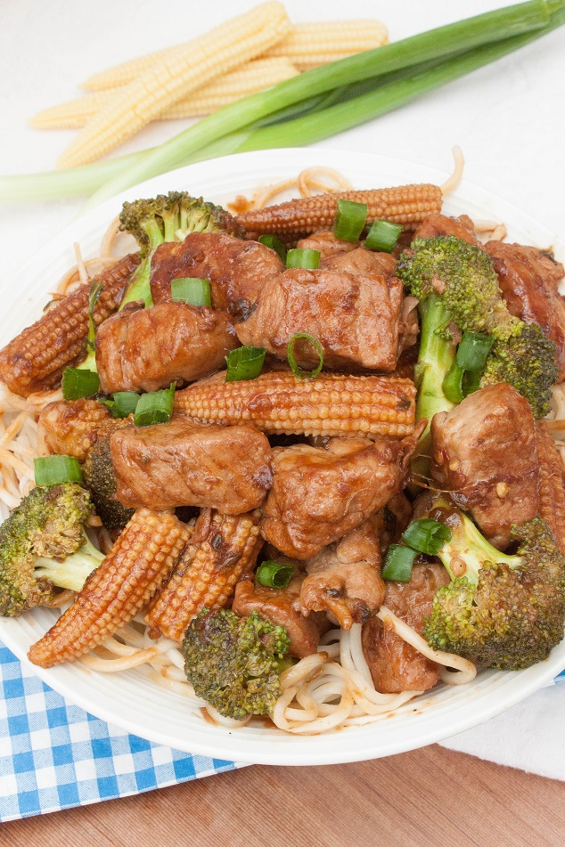 Spicy Fried Pork with baby corn and broccoli