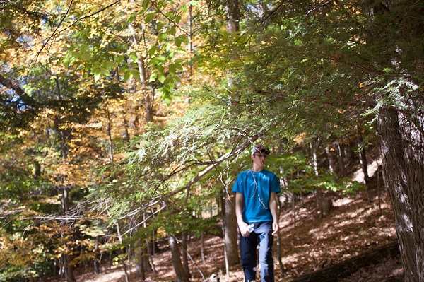 Hiking in Letchworth State Park in Fall